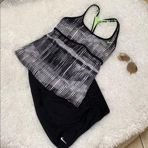 Nike Size Medium Swimsuit 2 piece